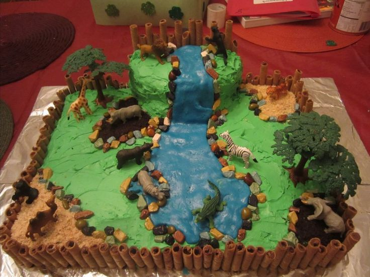 Birthday zoo cake | click photo for silly non-tutorial