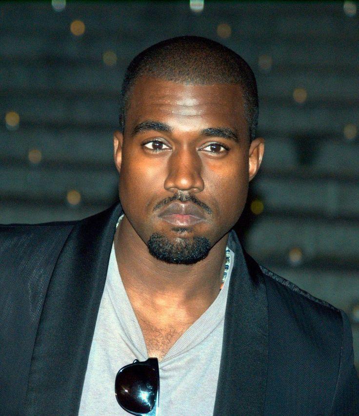 "Kanye West: ""Se Frank Ocean non è nominato ai Grammy non ci vado neppure io"" - VIDEO https://t.co/GYCNG0ayma https://t.co/c27RMxOObq"
