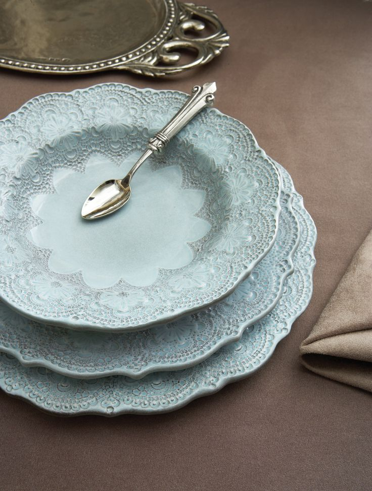 Arte Italica Merletto Aqua Dinnerware (The pattern is inspired by handmade antique Italian lace that is hand-pressed into the ceramic prior to the ... & 10 best Italian Dinnerware u0026 Stemware images on Pinterest | Dinner ...
