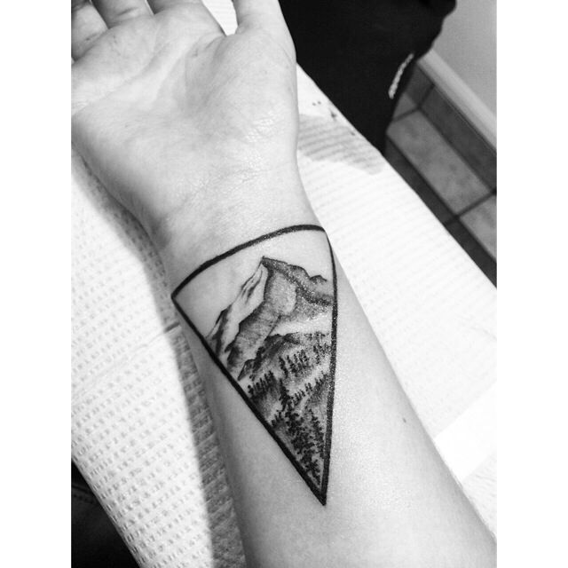 hoes-and-callused-toes: Lone peak mountain, big sky, MT. My own design. — The mountain makes me feel alive, and there is nothing greater in the world than that. Tattoo by PJ from Bozeman Tattoo Alley, Bozeman, MT