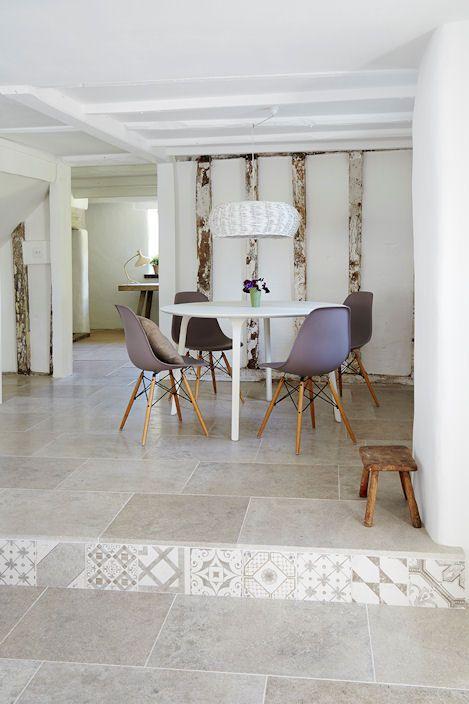 Blenheim Grey Brushed Limestone Flooring with Palladio Grey Decorative Tile risers | Mandarin Stone
