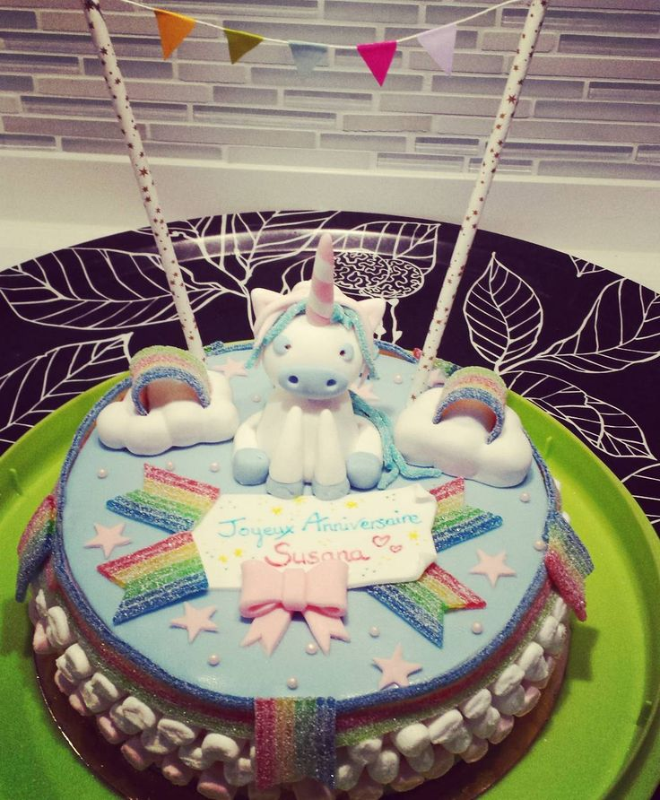 Licorne unicorn anniversaire birhday gateau cake for Decoration gateau licorne