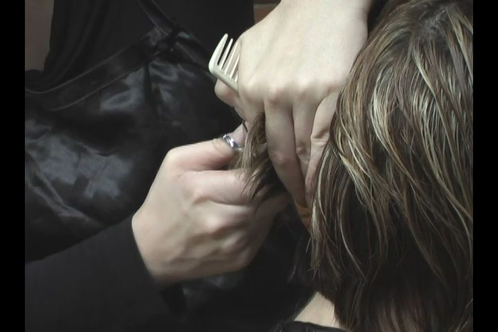 Video: How to Create Volume When Cutting Hair with Scissors