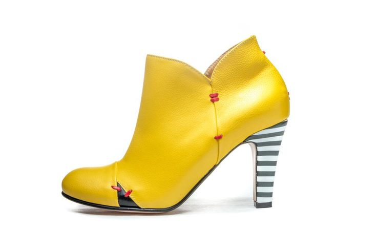 25 best ideas about high heels stiefel na pintereste for Schuhschrank yellow