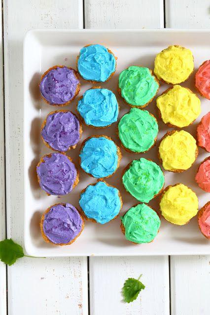 Suklaapossu: Helpot ja nopeat porkkanamuffinssit sateenkaaren väreissä, munaton