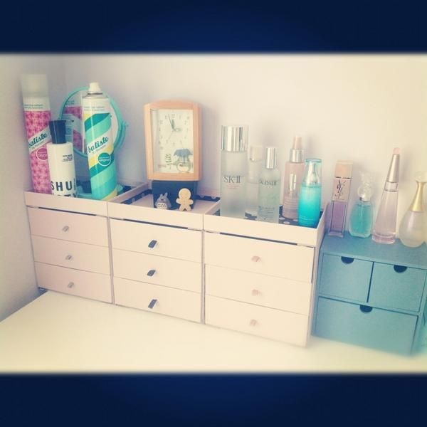 We're loving this mini chest of drawers from @twatterisms! am defo going to do this with my boxes . good thinking girl !