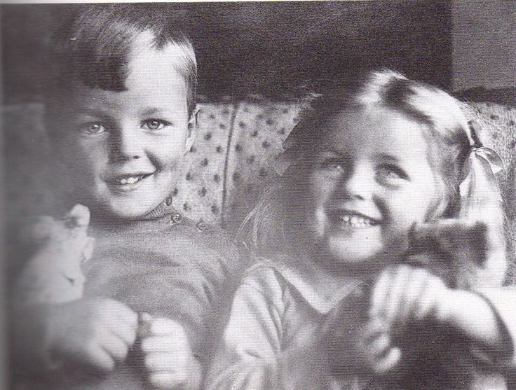 Tom 1909 1945 And Diana 1910 2003 Mitford As Children