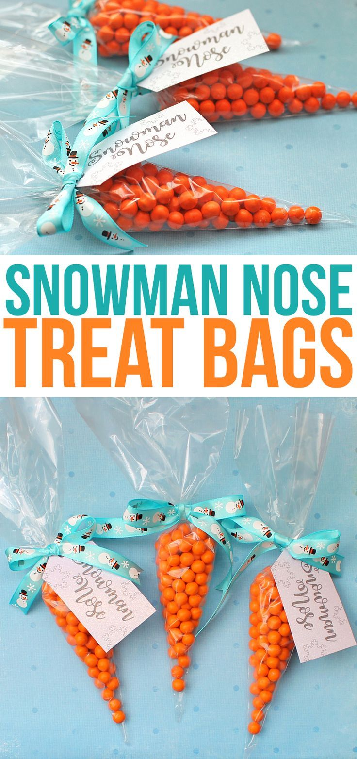 Snowman Nose candy treat bags are a simpe and cute punny Christmas gift idea perfect for giving to children at Christmas. I'm making these for my kids class party! Perfect snowman party favors. #christmasgiftideas #christmas #snowman