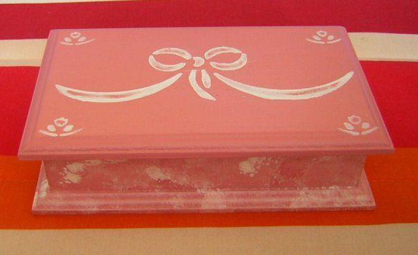 17 mejores im genes sobre cajas en pinterest estilo for Cajas pintadas a mano
