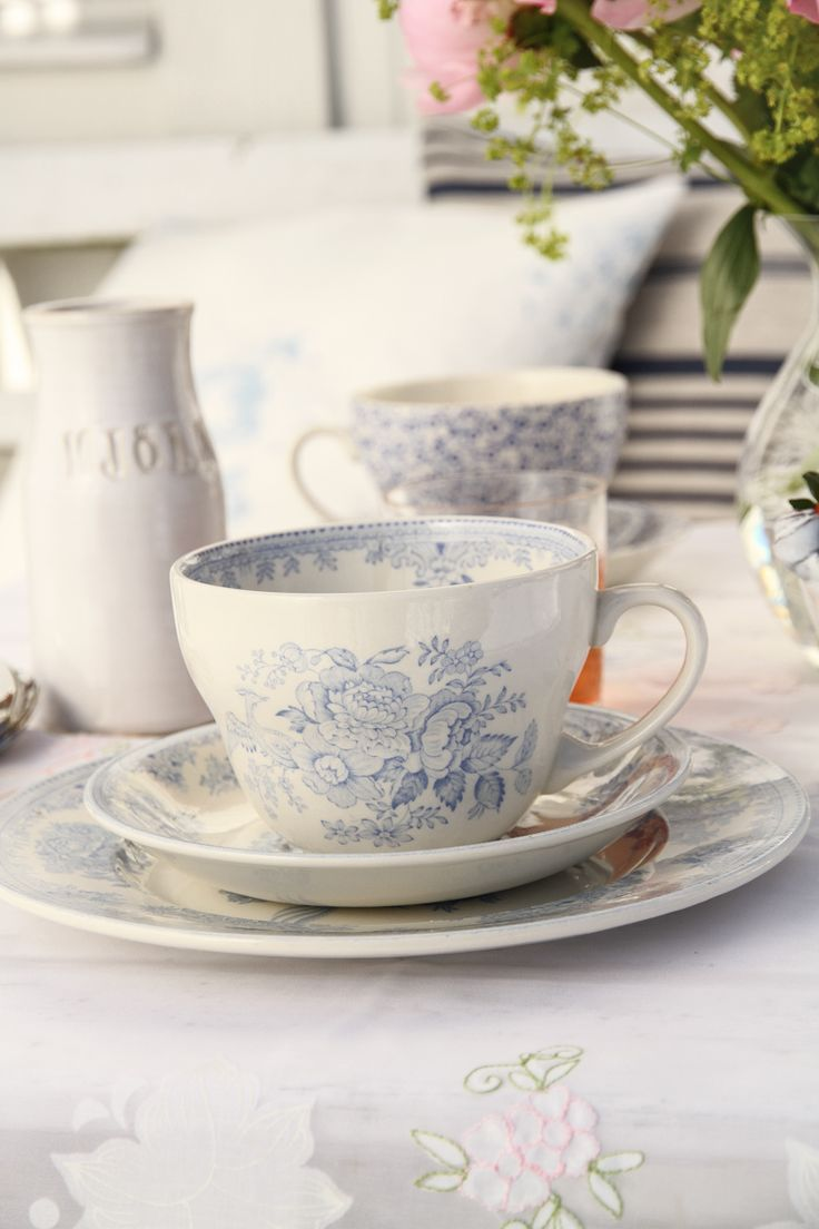 Burleigh Pottery | Blue Asiatic Pheasant Frukostkopp | Matilde & Co | Handla online