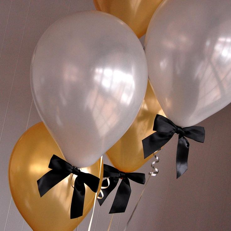 Graduation Balloons. Handcrafted in 1-3 Business Days. Gold and Silver Balloons with Bows 8CT + Curling Ribbon