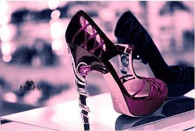 Стильные туфли на высокой шпильке