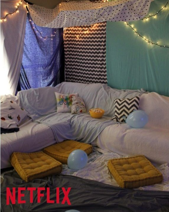 Tips to create a #DIY #Fort Blanket ( Your Kids will go GAGA for this) #unpluggedPlay