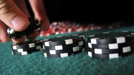 Situs Poker Bonus Menarik - waspadai situs poker bonus menarik, hal ini biasa di jadikan modus oleh beberapa situs poker online.