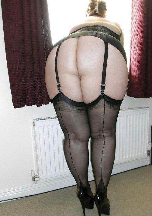 Голые толстушки и красивые пышки в чулках  сексуальные