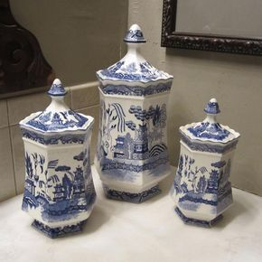 Vintage Blue Willow Set of 3 Canisters