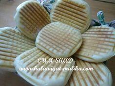 خبز البانيني هش كالقطن للأخت OUM SAAD الطريقة في الرابط: http://www.halawiyat-malika.com/2015/10/blog-post_12.html