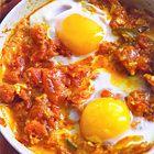 Gepocheerde eieren met tomaat - recept - okoko recepten