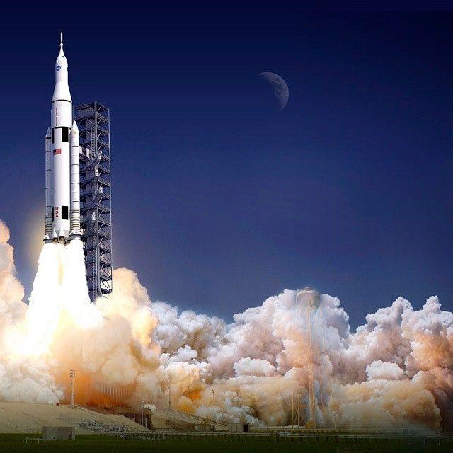 19 отметок «Нравится», 2 комментариев — Fidèle M (@mraerospace) в Instagram: «Vue d'artiste du Space Launch System, futur lanceur de la NASA dont le premier vol est prévu pour…»
