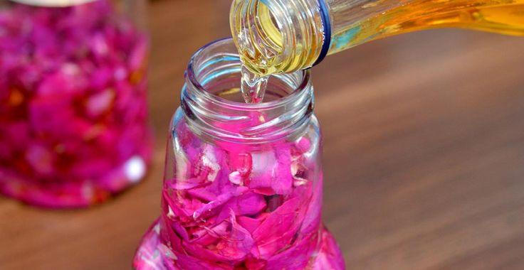 2 reţete de preparare a oţetului de trandafiri | Paradis Verde