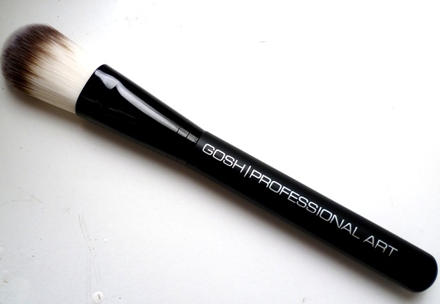 Review of the Gosh foundation brush and powder brush