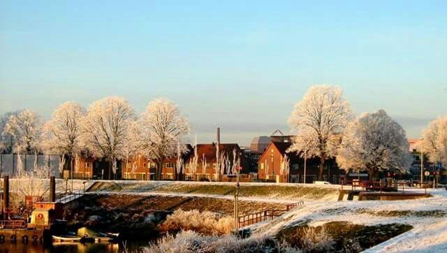 20 augustus 2015 , knutteldorp in de winter ,  gemaakt door H van werven