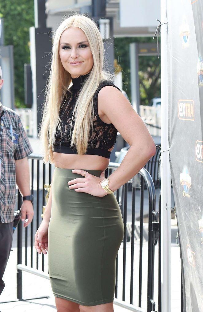 http://www.gotceleb.com/wp-content/uploads/photos/lindsey-vonn/on-the-set-of-extra-in-los-angeles/Lindsey-Vonn-on-the-set-of-Extra--09-662x1016.jpg