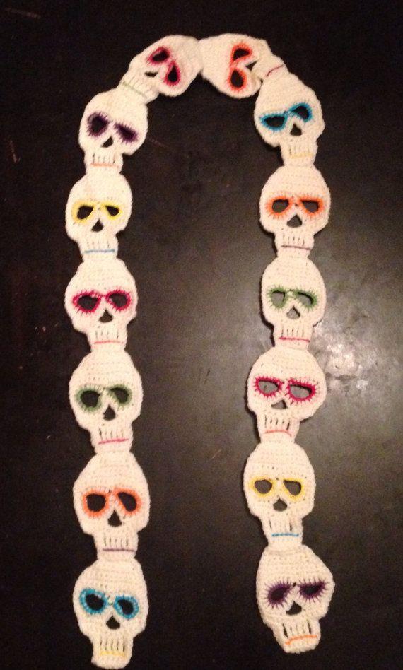 Écharpe de crâne de sucre par EveysBoutique sur Etsy