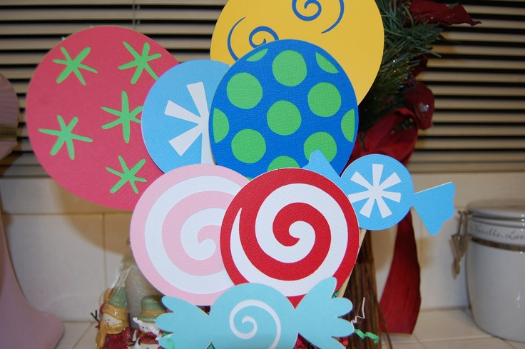 christmas candy decor: Christmas Parties, Photos Booths Props, Candyland Lollipops, Candyland Parties, Christmas Candy Decor, Candyland Decor, Covers Window, Candy Christmas, Candy Land