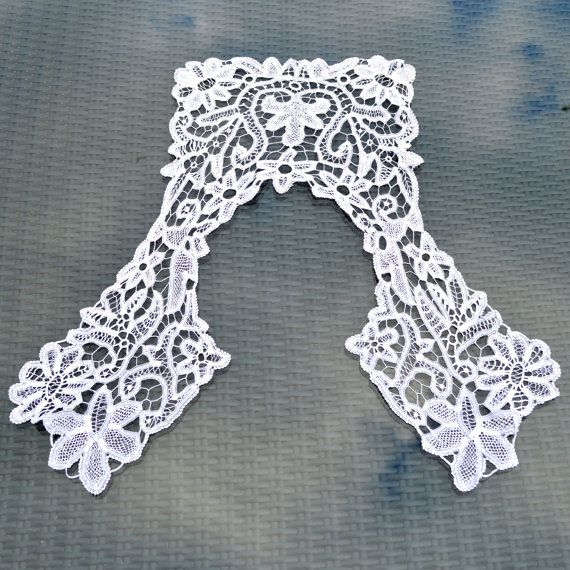 Antique Fine White Lace Collar  Bobbin lace  Large  by TeaJay