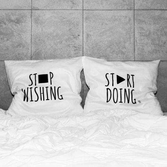 słowa, które odmienią każde wnętrze! białe, gładkie poszewki z zakładką 20 cm, 2 szt.100% bawełna (satynowana) dostępne wymiary: 80x70 cm, 60x50 cm prać ręcznie na lewej stronie maks. temp. 30°C seria: INSPIRATION #whiteplace #whiteplacepl #pillow #poszewka #dekoracja #prezent #gift #stopwishing #startdoing