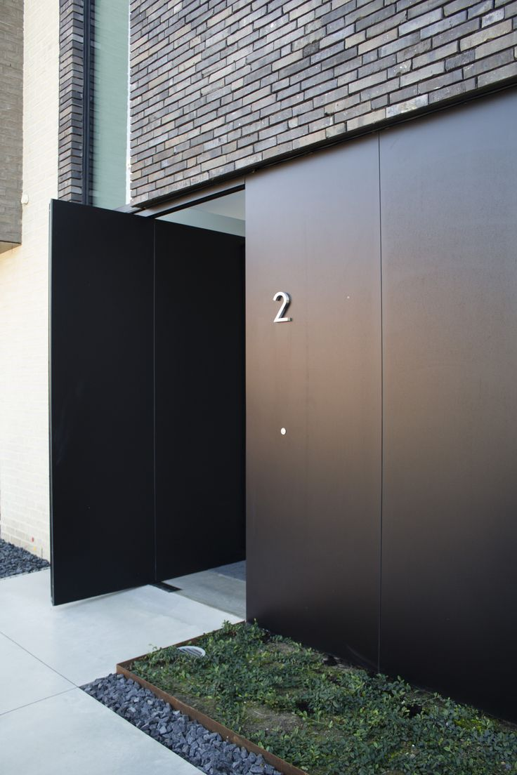 Entrance door - Residence in Belgium by Egide Meertens