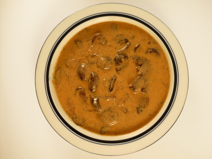 Silver Dollar:  Our take on Hungarian Mushroom soup features sweet onions, dill and Hungarian paprika sauteed with cremini mushrooms in veggie broth.  We add a splash of lemon juice and stir in sour cream for a smooth finish.  (Vegetarian)