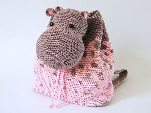Hippo Backpack crochet pattern by Chabepatterns