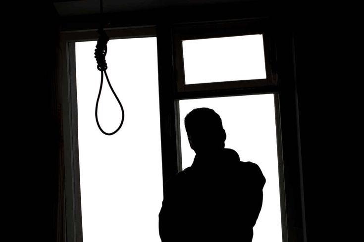 Não tentar nada por medo de estar errado(a), é como cometer suicídio por medo de morrer. (Autoria desconhecida)