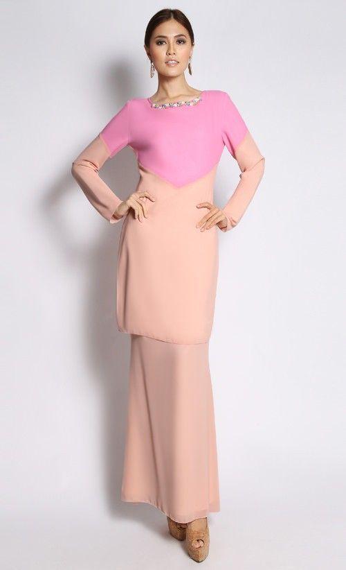 Fara Kurung in Pink