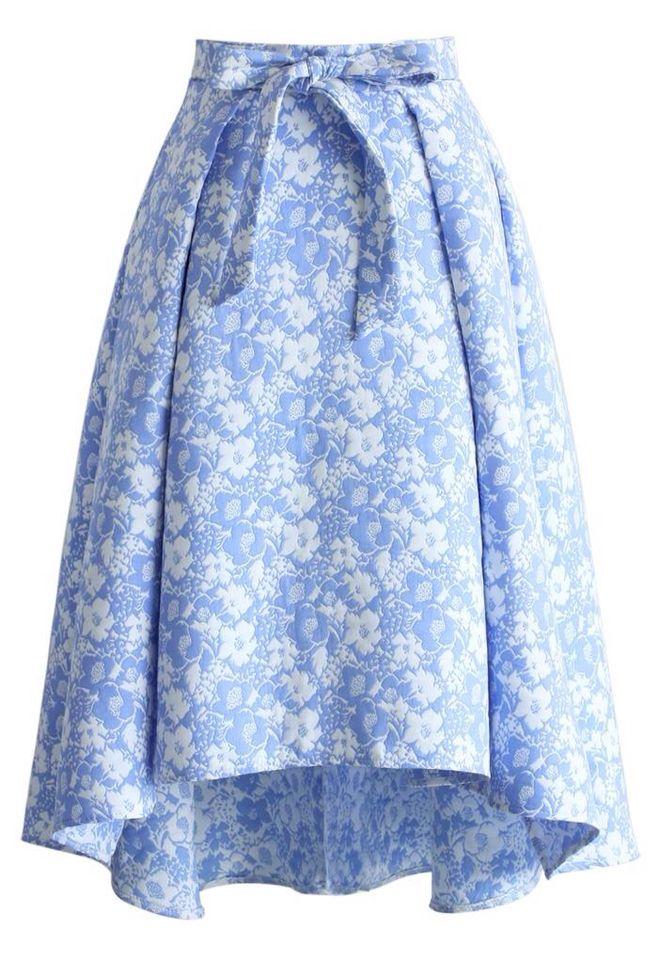 Falda asimétrica floreada