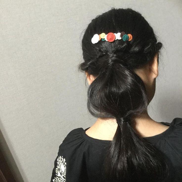 ・ おーたむ こーむ ぼたん ・ ・ model:coco #autumn #fall #handmade #accessories #accessory #haircomb #hairaccesory #kidsfashion #kids_japan #kidshair #kidsmodel #ハンドメイド #yaola