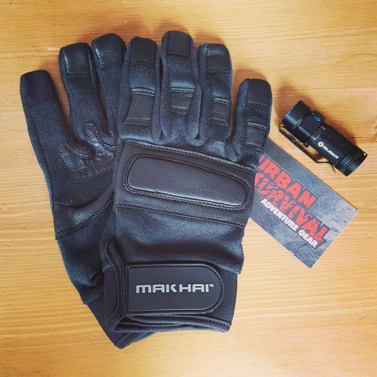 Defender Gloves | Olight S1 Baton Tactical Gloves & Lights | UrbanSurvival.nl  #urbansurvival #tacticallight #makhai #olight #olights1baton #politieuitrusting #policegear #tacticalgear
