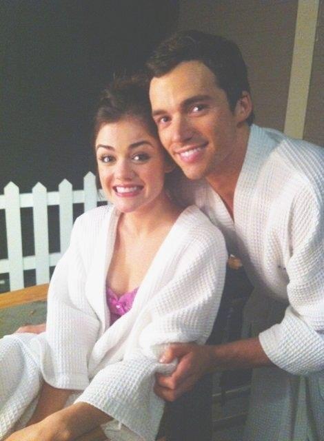 Aria and Ezra - Pretty Little Liars