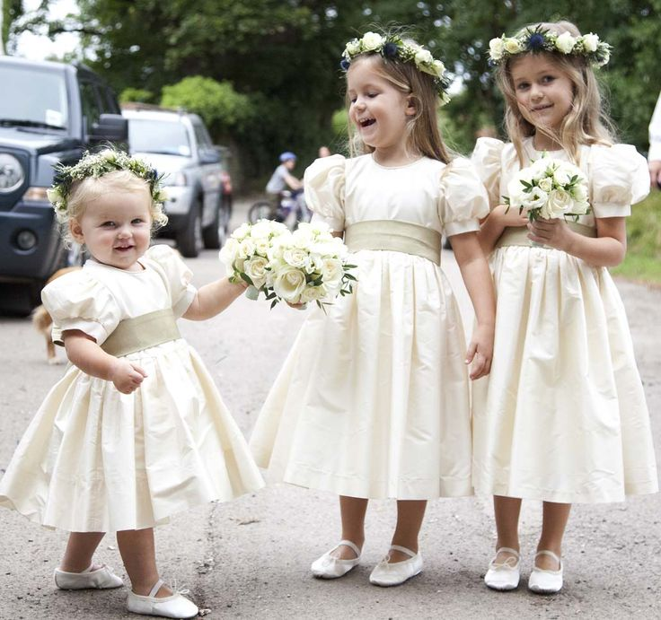 Damas de casamento saiba a diferença entre daminhas e demoiselles