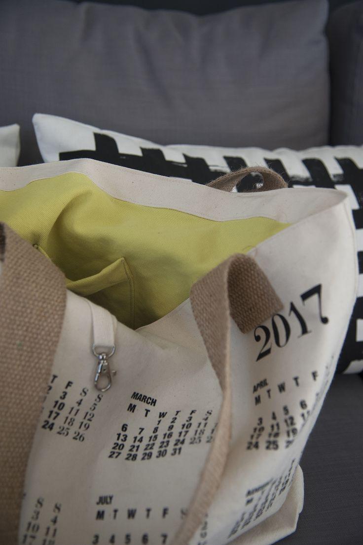 A Calendar shoulder bag. Innovative! 100% Cotton!