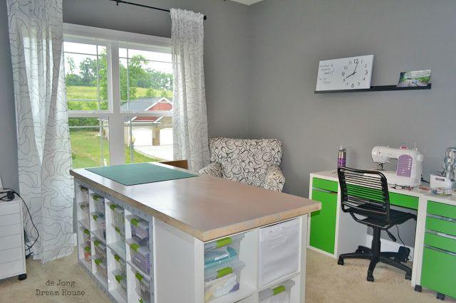 Mit 2 IKEA Kallax Regalen macht sie etwas Großartiges für ihr Hobbyzimmer! - DIY Bastelideen