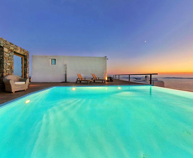 Nights in Castor Villa - Mykonos, are just magical