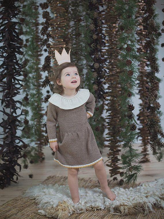 Beige baby jurk / Hand brei alpaca kleding voor baby / peuter