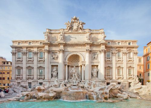 • Make a wish in the Trevi fountain in Rome, Italy. ✔️