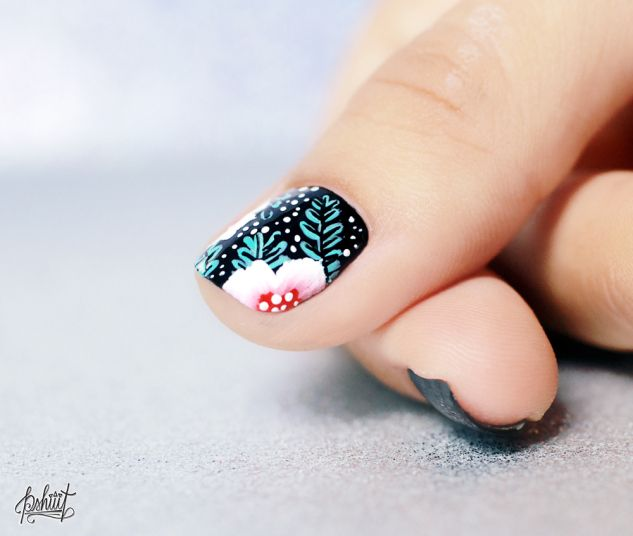 http://pshiiit.com/2014/07/22/nail-art-fleuri-again-and-again/