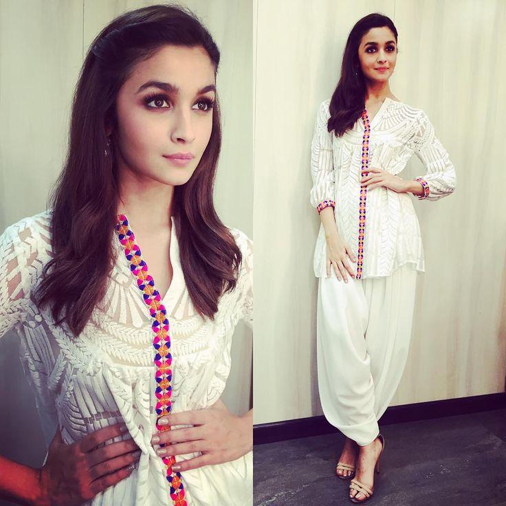"""Alia bhatt wearing Reynu Tandon """"Shaandaar Promotions…"""""""
