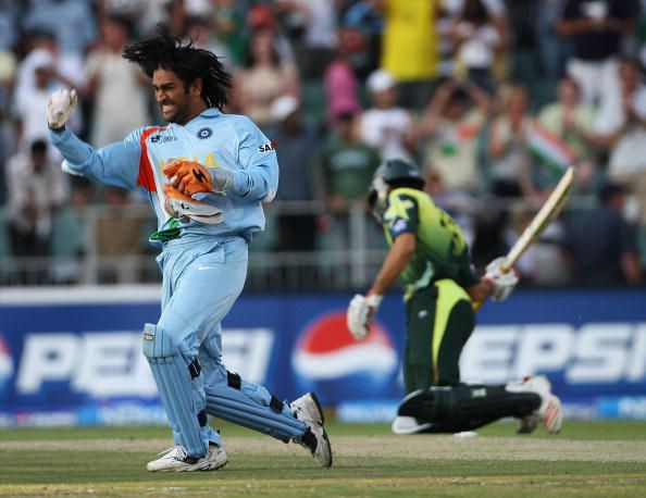 Ms Dhoni Era Begins Fans Reminisce Team India S World T20 Triumph In 2007 On Its 12th Anniversary In 2020 Ms Dhoni Photos India Cricket Team Ms Dhoni Wallpapers
