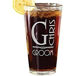 Retro Name Personalized Groomsmen Wedding Gift Pub Glass Custom Engraved 16oz Groom Bride Wedding Party Favors for Best Man Father of Groom Father in Law Bachelor Bachelorette Parties